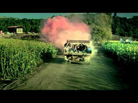 Selena-Gomez-Hit-The-Lights-Music-Video2